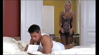 Blonde,Blowjob,Double Penetration,Kissing,Natural,Orgasm,Sex Toys,Strapon