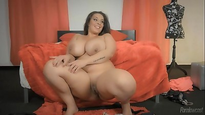BBW,Big Boobs,Latina,Masturbation,Solo,Strip,Wife