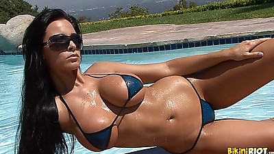 Big Ass,Big Boobs,Bikini,Brunette,Lingerie,Orgasm,Pool,Softcore