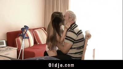 Blowjob,Cumshot,Daddy,Doggystyle,Facial,Fucking,Grannies,Mature,Old and young,Teen