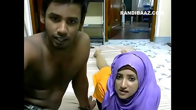 Amateur,Arab,Blowjob,Couple,Indian,Petite,Webcams